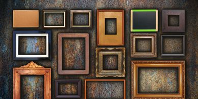 Many different random picture frames