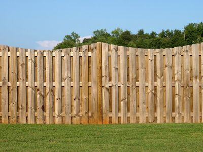Fencing in Eastbourne, Fence service, Eastbourne Fencing, Fence Repair, fencing contractors