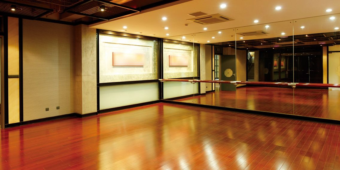 Flooring Outlet Store