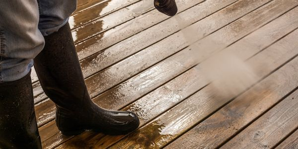 power washing and deck cleaning services