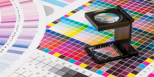 CHOOSE A GOOD COLOUR FOR YOUR LOGO AND BRAND