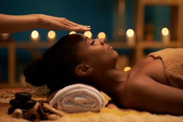 Reiki treatment, health, rebalance, chakra, energy, grounding, rooting, relax, self-care