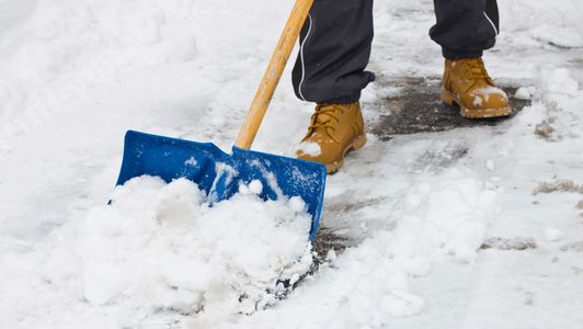 Snow Removal in Winnipeg. Snow blowing service Winnipeg for residential snow clearing.