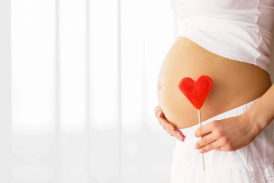 Show mom and baby some love with massage! The benefits are many.