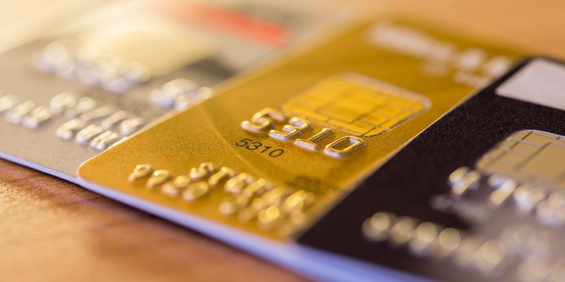 Business credit cards with instalment availability