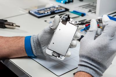 Pro Gadget Clinic repairs iPhones.