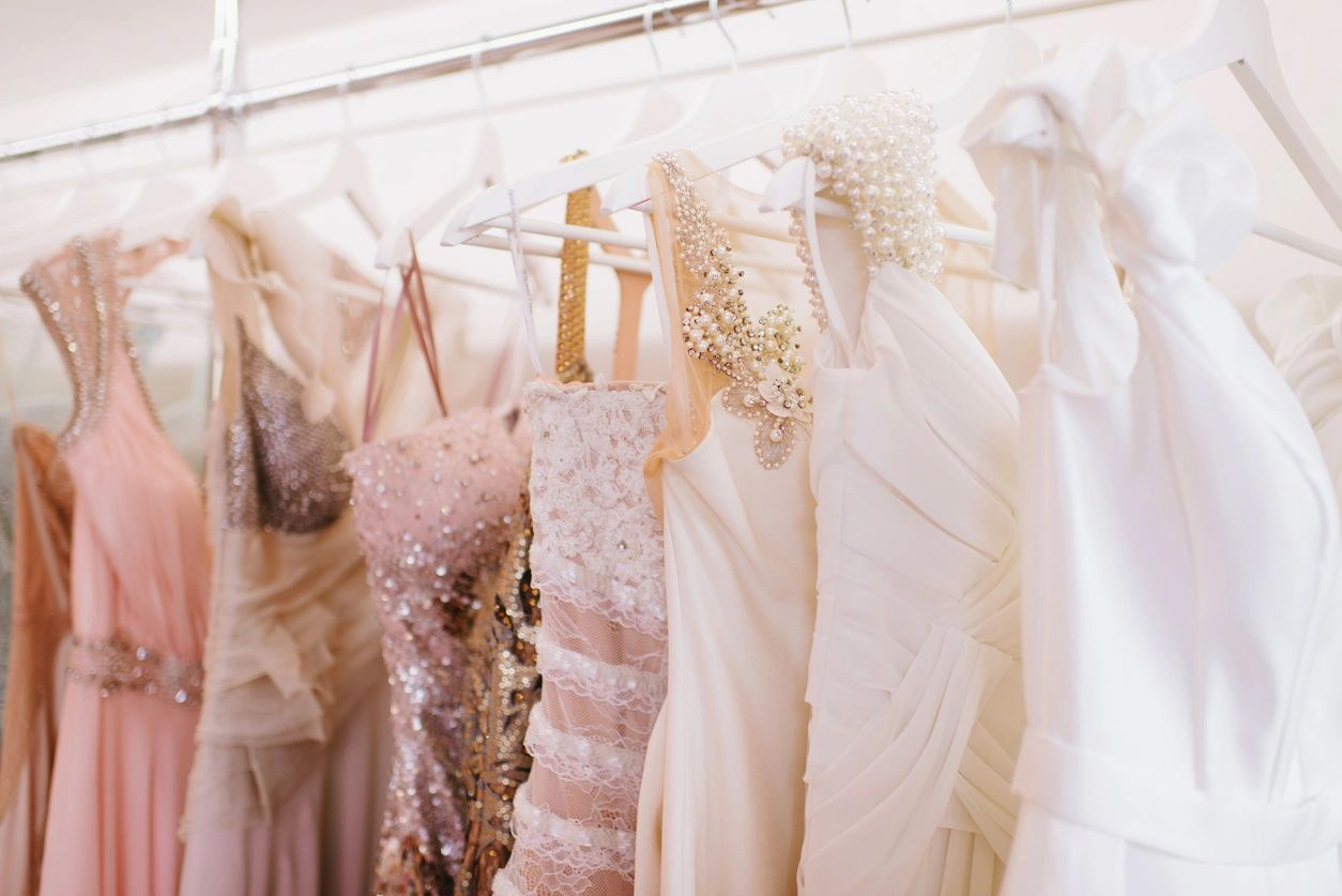 Why Buy Wedding Dresses Off The Rack