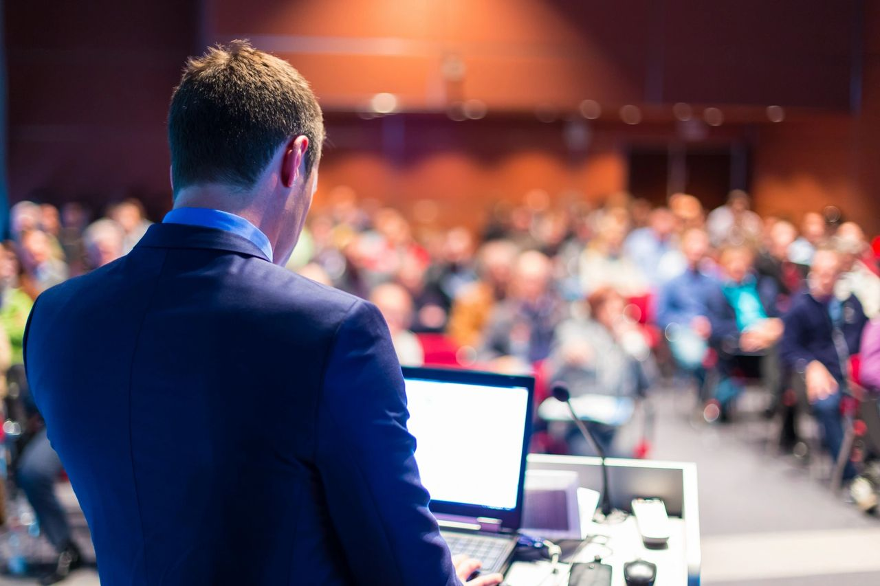 How to be a successful business speaker