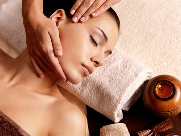 Relaxing Day Spa Massage and Spa Services