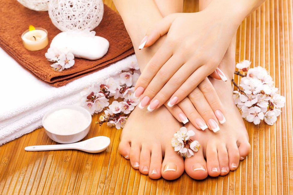 Pediure services | Luxe Nail Spa