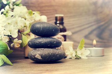 Hot Stone massage therapy Las Vegas wellness healthy skin care professional therapist clean oil