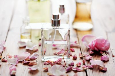 Learn about the 3 fragrance notes as you create your own personalized scent
