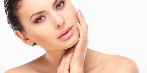 Benefits of microneedling. Younger skin from microneedling. Will microneedling reduce large pores?