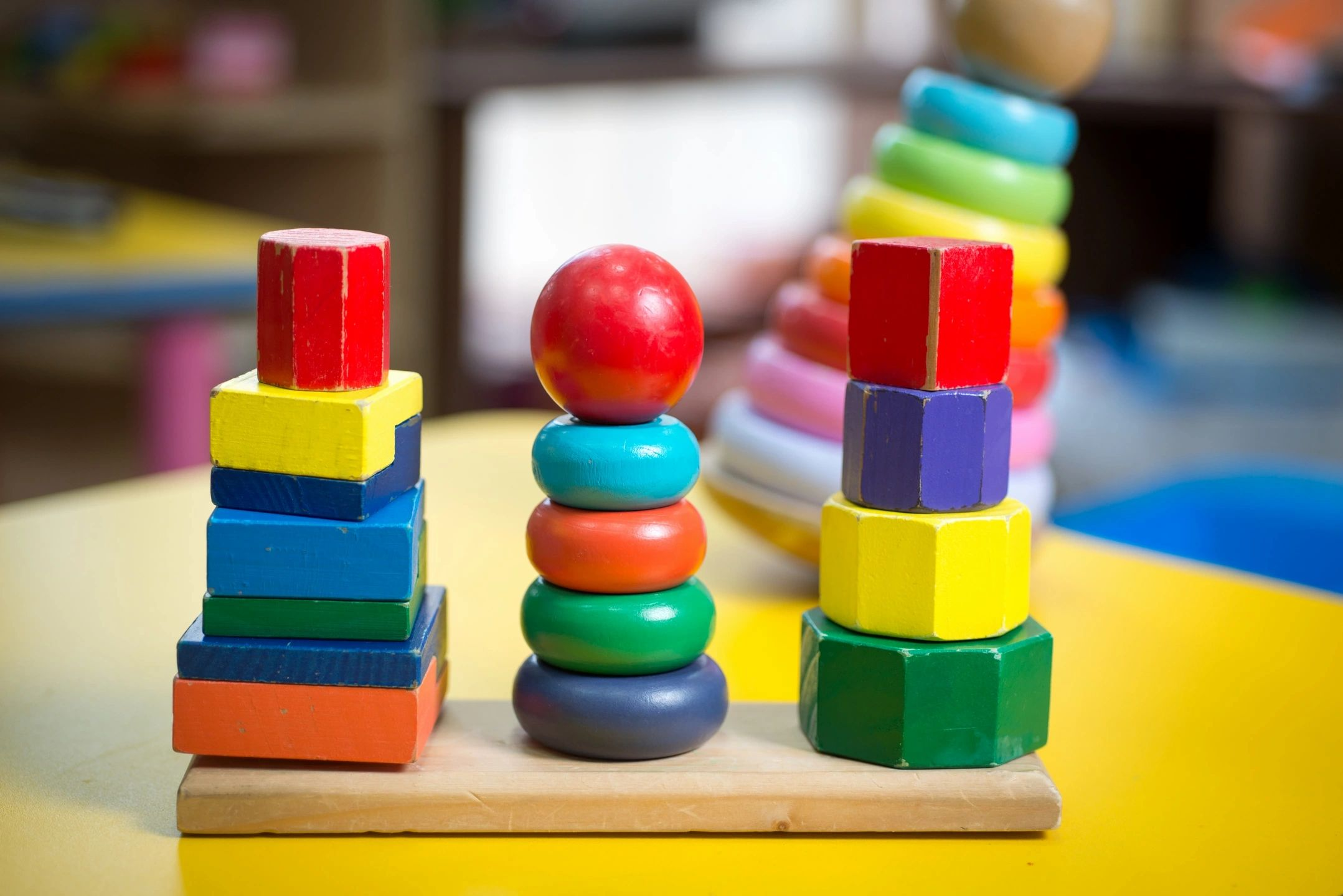 Problem solving toys at Chiswell Preschool and Nursery in St Albans