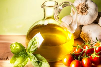 Extra Virgin Olive Oils and Oil Blends