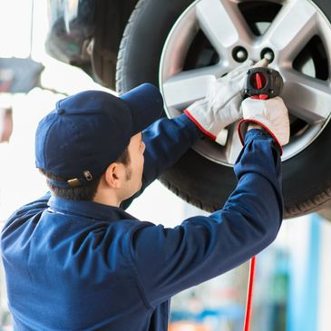 ASE  mechanic.  Low Rates, Full Warranty Brake Shop, Tires, Diagnostics, Engine Light