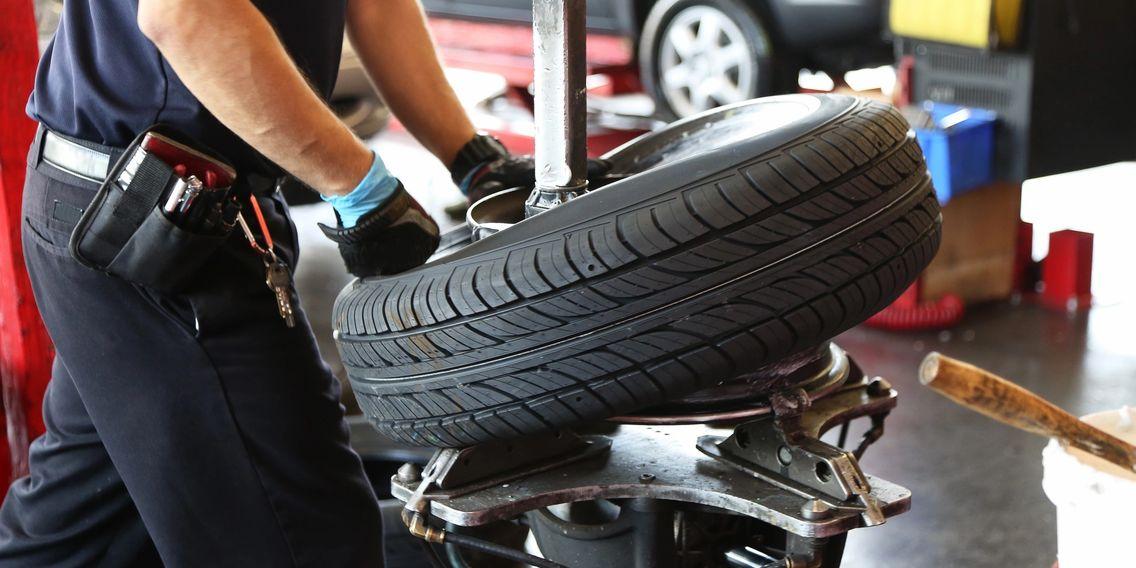 Emergency Road Service Tire Repair New Tires Emergency Road Service