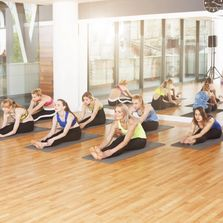 Yoga group class in auburn ca, 1 lifestyle fitness gym, personal training