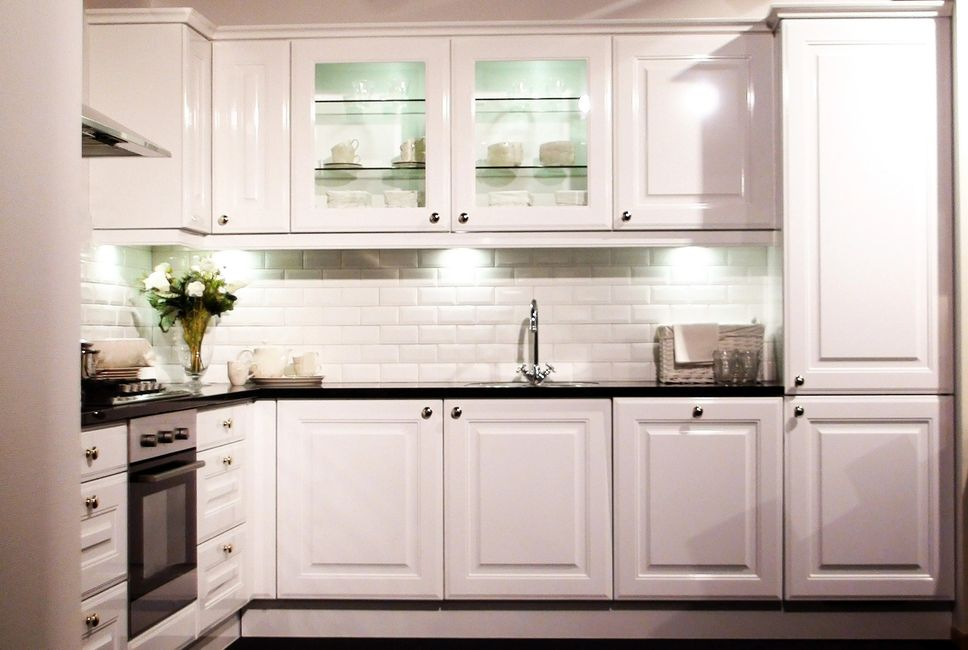 Special offers on kitchen back splash tile installations.Call Don of all Trades 905-259-5249 today!