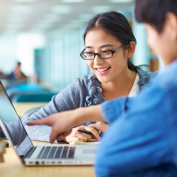 Students are able to work together in an online education experience.