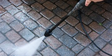 Power washing driveways patios decking handyman fitting  & cleaning PVC fascia soffit & gutters