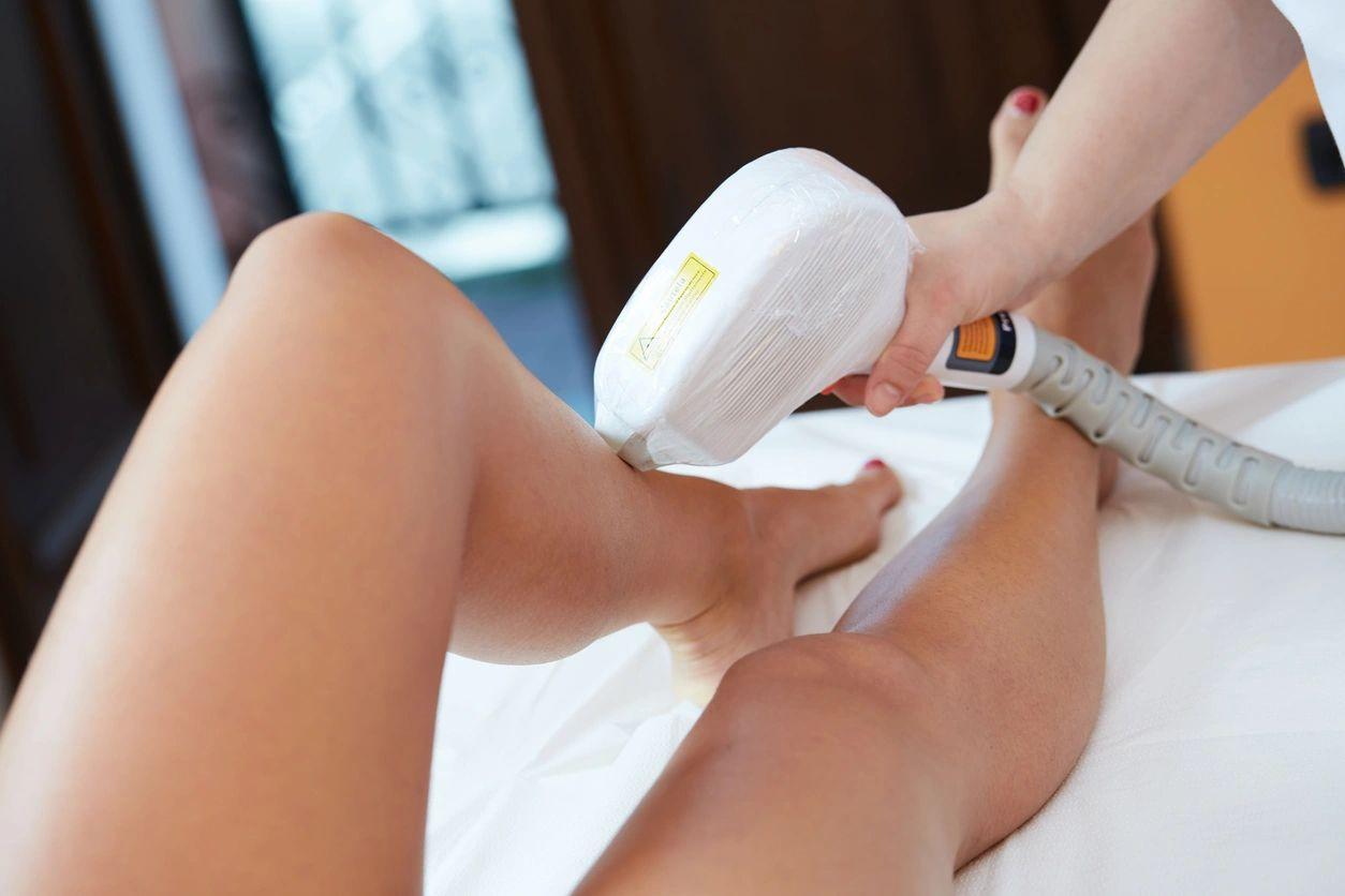Preparación para el tratamiento de depilación láser