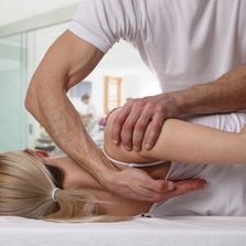 Myotherapy for shoulder pain in Melbourne