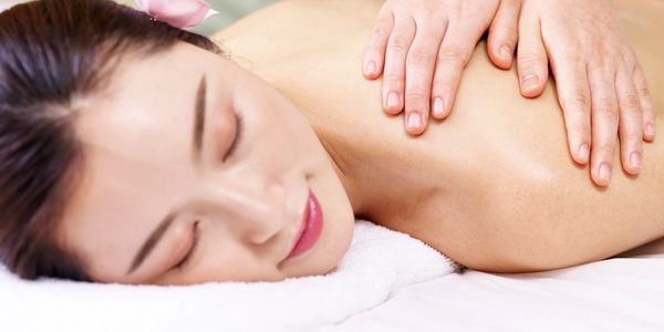 Lady receiving Body Massage at Healing Garden Relaxation Station Upper Arlington Columbus Ohio,
