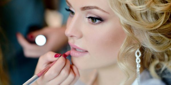 We able to provide on-site beauty services for you and your wedding party. During a consultation and