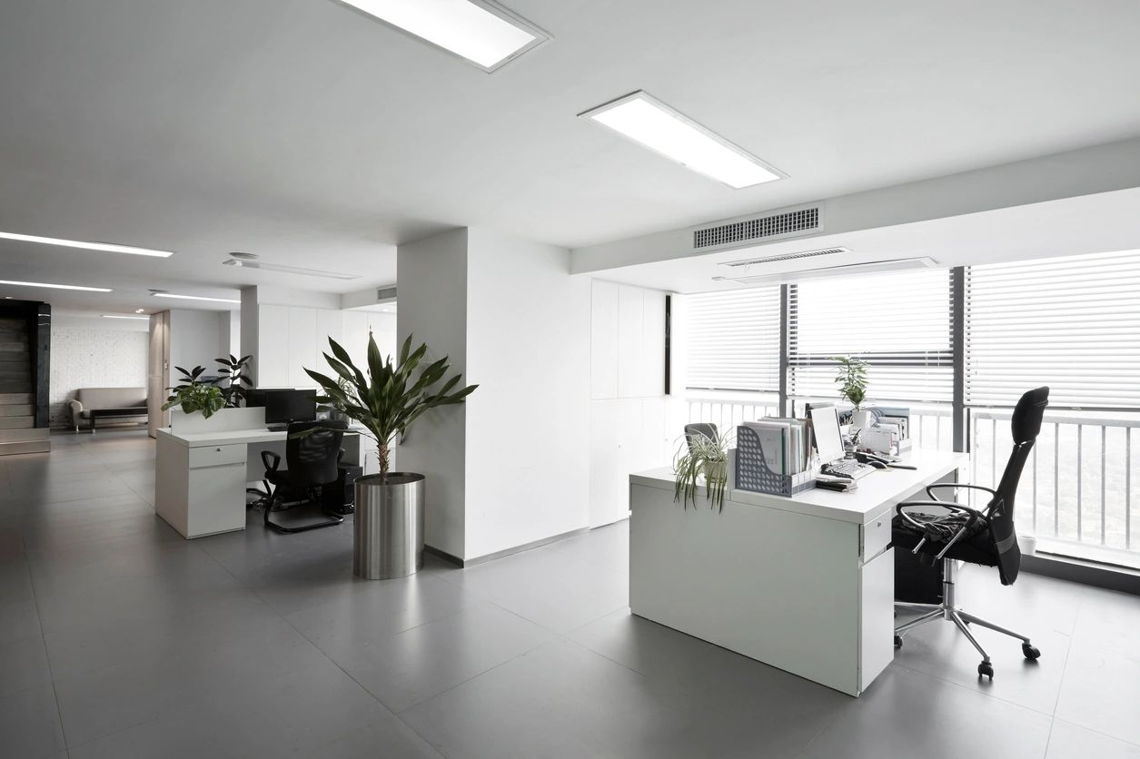 How to maintain productivity in a hybrid office