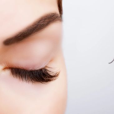 Learning to safely apply individual eyelash extensions properly to maintain health and growth of your natural lashes