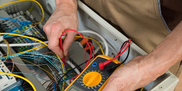 Electricians in leeds. Domestic electricians in leeds. Leeds electricians, Leeds based Electrician