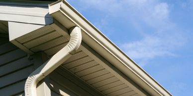 Seamless gutters from a gutter repair done by Butler County Construction.
