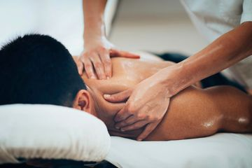 Sports massage for men and women