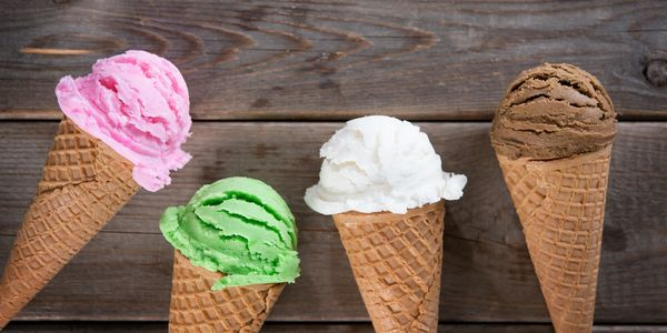 Strawberry, mint, vanilla and chocolate ice cream cones