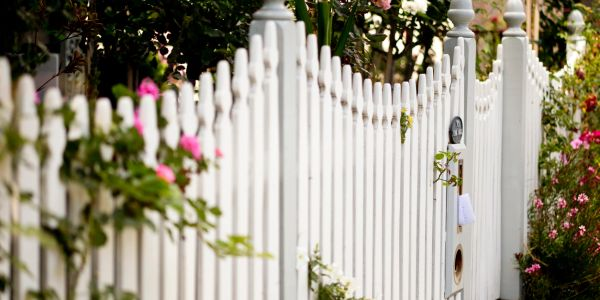 Fencing contractors providing fencers. Essex and London Construction, Basements & Loft Conversions.