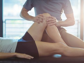 Chiropractic initial consultation knee assessment