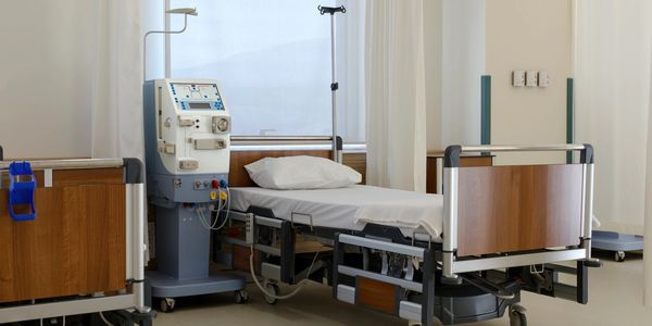 hospital bed, hospital safety, stay safe in hospital, hospital patient, hospitalization, tools, tips