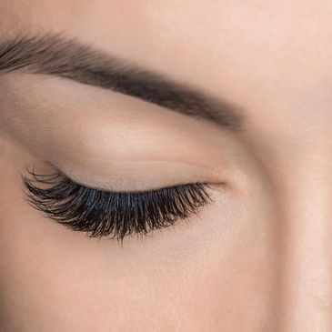 Eyelash and eyebrow treatment