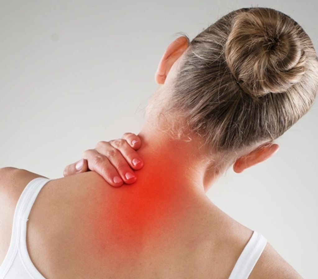 Neck pain and lower back pain: physiotherapy services offered by the Home Physios in London