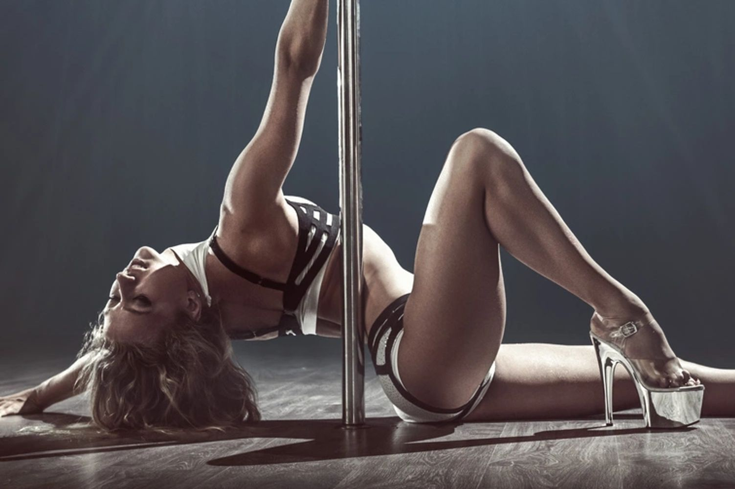 pole classes, pole dancing, pole dancing classes, beginner pole dance, pole dance class, fitness