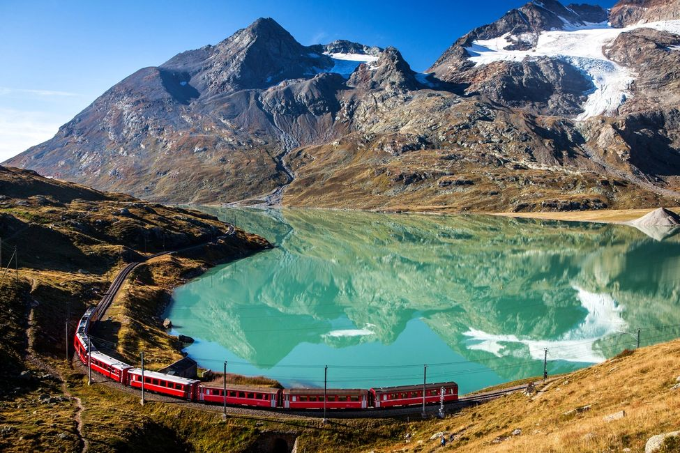 Luxury train journeys all around the world offered by Spice Travel