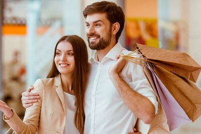 Happy Couple shopping for CBD oil and CBG oil, Psoriacease, Eczemate and other favorite products