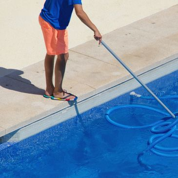 Pool Cleaning in Dallas area and Pool service with pool repairs