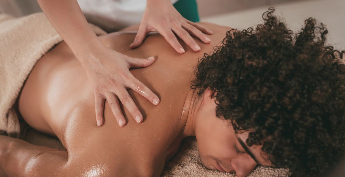Hot Oily Massage for a perfect relaxed body with  Perfectspa.ca