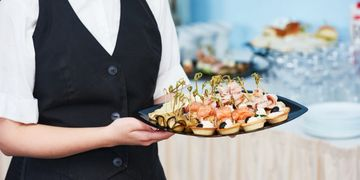 laura catering contract catering