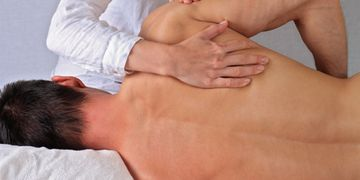 Chiropractic shoulder treatment